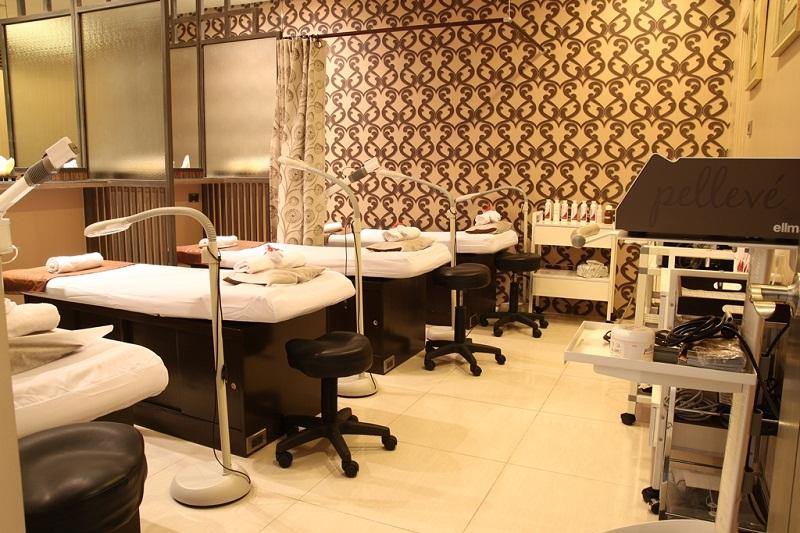 The clinic studio integrity aesthetics and wellness center skin care non invasive for Dermatology clinic interior design